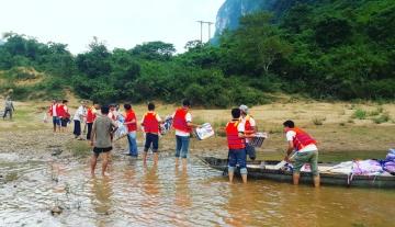 Công ty Long Hiền đồng hành cùng bà con vùng lũ Quảng Bình - Hà Tĩnh